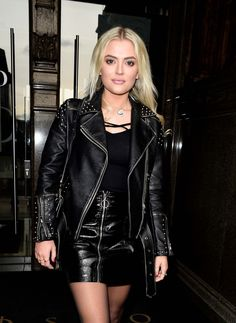 Lucy Fallon in a leather mini-skirt and jacket - British actress Lucy Fallon wearing a black leather mini-skirt and a black leather jacket Black Leather Mini Skirt, Black Faux Leather, Leather Skirt, Bad Girl Outfits, Sexy Outfits, Leather Fashion, Skirt Fashion, Women Wear, Sexy Women