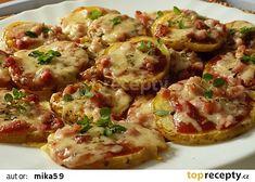 "Bramborové ""mini pizzy"" recept - TopRecepty.cz Baked Potato, Potato Salad, Food And Drink, Potatoes, Baking, Ethnic Recipes, Diet, Syrup, Potato"