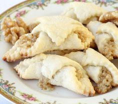Authentic Hungarian Walnut Rolls - American Heritage Cooking--looks yummy Hungarian Cookies, Italian Cookies, Baking Recipes, Cookie Recipes, Dessert Recipes, Dessert Bread, Bread Recipes, Holiday Baking, Christmas Baking