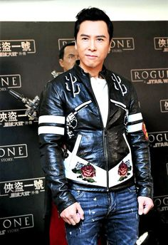 Donnie Yen / Донни Йен / 甄子丹  <<  oooo button flies... This man can murder in a pair of jeans...