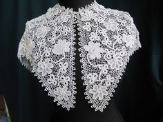 IMG_2709 front  http://www.laceforstudy.org.uk/archives/purpose/2758/490-irish-crochet-collar/#