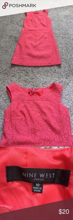 Nine West Coral Patterned Dress Size 10 Nine West coral circle pattern dress. Size 10. In great condition, only worn once! Nine West Dresses