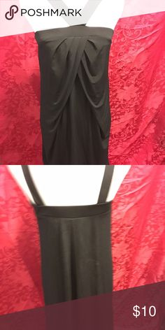 """Black stretch dress Gathered front stretch dress. About 32"""" long. Polyester/spandex. Bundle 2+ for 10% off purchase. Submit offers through the blue """"offer button"""". 1-2 day shipping. New York & Company Dresses Midi"""