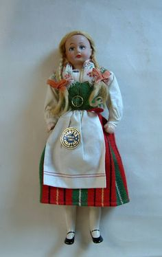 Finnish Martha doll in traditional dress of Kirkkonummi - marttanukke Folk Costume, Costumes, National Symbols, Old Dolls, Madame Alexander, Vintage Dolls, Traditional Dresses, Old And New, Martini