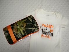 Camo Baby Boy Gift Set - Daddy's Lil Hunting Buddy Onesie and Camo and Orange Wipe Case - Perfect for Daddy's Little Hunter
