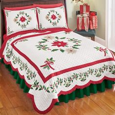 Collections Etc Christmas Evergreen Garland Quilt with Red and White Poinsettias, Holly Leaves, and Berries - Holiday Bedroom Decor, Red and Green, Full/Queen Christmas Bedding, Indoor Christmas Decorations, Holiday Decor, Collections Etc, Bedding Collections, Christmas Poinsettia, Diy Christmas, Green Quilt, King Sheet Sets