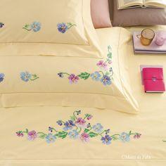 Cotone giallo disegnato per lenzuolo matrimoniale da ricamare a punto croce disegnato