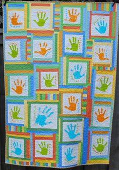Margaret's Hope Chest: Search results for handprint quilt School Auction Projects, Class Art Projects, Auction Ideas, Classroom Projects, Classroom Ideas, Sewing Crafts, Sewing Projects, Kid Crafts, Preschool Crafts