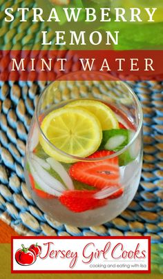 Strawberry Lemon Water with Fresh Mint - Jersey Girl Cooks Strawberry Mint Water, Lemon Mint Water, Fresh Mint, The Fresh, Lemon Water Before Bed, Drinks Alcohol Recipes, Drink Recipes, Water Recipes, Alcoholic Beverages