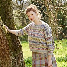 SPRINGTIME is a beautiful trans-seasonal collection of quintessential feminine knitwear featuring floral intarsias, fairisles, subtle lace and twisted stitch textures. Mainly using Rowan Felted Tweed, this collection is the ideal solution to the problem of what to wear on a sunny spring day when it's still chilly outside.