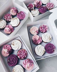 Vanilla Buttercream Cupcakes ♡ Cupcakes de vainilla y crema de mantequilla ♡ Cupcakes Design, Fancy Cupcakes, Cake Designs, Birthday Cupcakes, Wedding Shower Cupcakes, Purple Cupcakes, Flower Cupcakes, Pretty Cakes, Beautiful Cakes