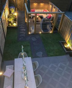 Excluton terrastegel Optimum Decora Create an incredibly beautiful and eye-catching surface with the Lightweight Optimum Decora Gray Rose tile. Small Backyard Patio, Backyard Patio Designs, Backyard Projects, Pergola Patio, Backyard Landscaping, Back Garden Design, Modern Garden Design, Back Gardens, Outdoor Gardens