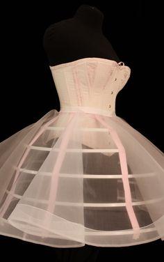 Fabric Tutu, Crinoline Dress, Corset Dresses, Petticoats, Fashion Sewing, Diy Fashion, Ideias Fashion, Fashion Outfits, Corsets