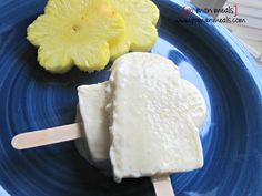 pineapple cheesecake popsicles - PomanMeals.com