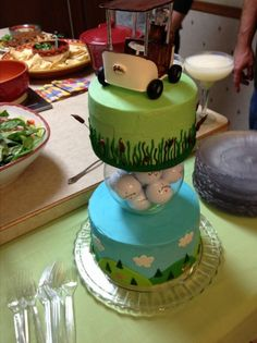 """""""Golf cake with gumpaste golf cart topper."""" - I love the idea of putting a vase with golf balls in the middle!"""