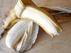 Banana soap. Предлагаю потратить пару бананов, чуть-чуть смелости, немного фантазии и времени на получение невероятно вкусного и нежного мыла с нуля. Мастер-класс достаточно подробный, рассчитан на тех, кто только начал свой мыловаренный путь и желает разнообразить свое творчество фруктовыми вариациями. Сразу отвечу на вопросы, которые обязательно возникнут. 1. А бананы не испортятся?