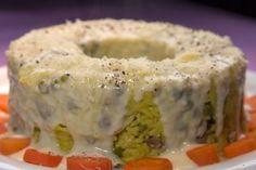Η κλασική συνταγή για κοτόπουλο Μιλανέζα του Τσελεμεντέ που ήταν το Κυριακάτικο πιάτο στις δεκαετίες του 60 και 70,…