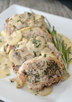 Soft, juicy and very flavorful, these Rosemary Pork Medallions with a Mushroom Wine Sauce will be an easy and delicious weeknight dinner! Pork Chip Recipes, Recipes With Pork Chunks, Cubed Pork Recipes, Pork Cutlet Recipes, Sirloin Recipes, Pork Sausage Recipes, Sauce Recipes, Pork Tenderloin Medallions, Mushroom Wine Sauce