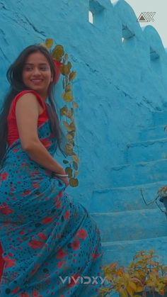 Desi Girl Image, Beautiful Girl Image, Saree Photoshoot, Pre Wedding Photoshoot, Beautiful Bollywood Actress, Most Beautiful Indian Actress, Cute Beauty, Beauty Full Girl, Desi Girl Selfie