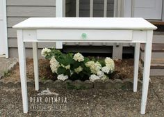 Coastal Painted Desk in Fusion Mineral Paint's Picket Fence