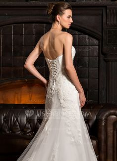 A-Line/Princess Strapless Sweep Train Tulle Wedding Dress With Appliques Lace (002067232)