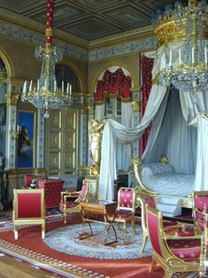 Palace of Versailles, Paris France: Empress Marie Louise's Bedroom. Palace Interior, Interior And Exterior, Marie Antoinette, Beautiful Bedrooms, Beautiful Interiors, Versailles Paris, Style Français, Palaces, French History