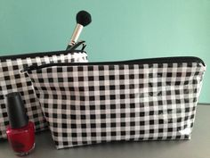 """NEW Retro Large Black and White Gingham Oilcloth Makeup Cosmetic Zipper Pouch Clutch Wet Bag Pencil Case Oilcloth Lined 5.5"""" x 9"""""""