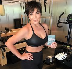 Kris Jenner isn't impartial to a filter, or two, or three. Let's face it, the Kardashians/Jenners live for that stuff. However, the Kardashian/Jenner matriarch has been sussed out by eagle. Selfie Sexy, Hot Selfies, Kendall Jenner, Kris Jenner Style, Kris Jenner Meme, Worst Celebrities, Hollywood Celebrities, Celebs, Hollywood Life