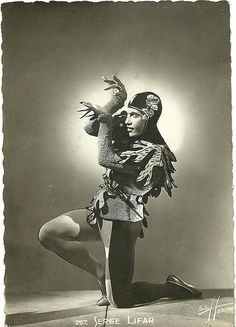 Serge Lifar. French postcard no. 257. Photo: Studio Harcourt. Collection: Didier Hanson.