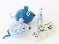 Amigurumi Mouse - FREE Crochet Pattern / Tutorial ༺✿ƬⱤღ  http://www.pinterest.com/teretegui/✿༻