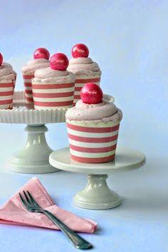 FUN RECIPE WORLD : Pretty Pink Vanilla Cupcakes Recipe