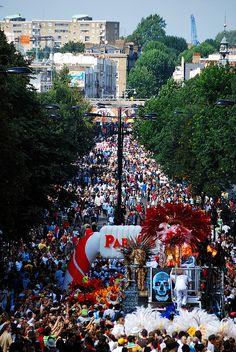 Notting hill carnival is a fantastic annual event that takes place over 2 days in London at the end of August.summer needs to hurry up! Notting Hill Carnival, Carnival 2015, Notting Hill London, West London, Leeds, Bristol, August Bank Holiday, Party, Monuments