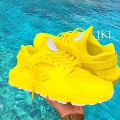 sale retailer 0527a 2eeae Lemon Zest Nike Air Huarache 🍋🍋🍋😮😕I need to make these myself because  they re the💣