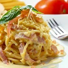A Yummy Spaghetti Carbonara recipe. This Delicious meal is a family favorite. Italian Spaghetti Carbonara Recipe from Grandmothers Kitchen. Pasta Recipes, Chicken Recipes, Dinner Recipes, Italian Dishes, Italian Recipes, Italian Pasta, Pasta Dishes, Food Dishes, Kitchen Recipes