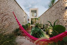 The Casa Picasso by Workshop Architects in Merida, Mexico is a beautiful modern home with an amazingly landscaped courtyard. Picasso, Workshop Architecture, Beautiful Modern Homes, Small Terrace, Mexican Artists, Indoor Outdoor, Outdoor Decor, Earthship, Architect House
