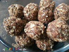 No bake healthy snack bites. This are great to use with kids. Better than buying boxes of granola bars. :)