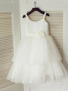A-line/Princess Spaghetti Straps Sleeveless Hand-Made Flower Floor-length Tulle Dresses