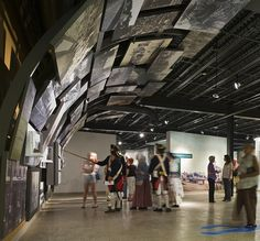 culture/gallery (museografía y protección para el sol... en el patio de la guillotina)