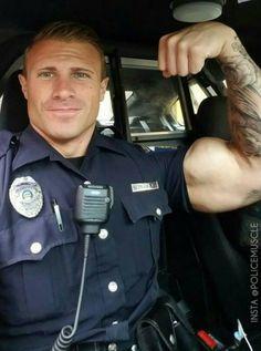 Blonde Polizistin Heiße Jamie