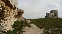 Paseando por la explanada del castillo