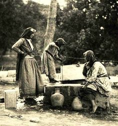 Women collecting water from a well in Tirat Haifa village in . Notice the pottery water jars which are now used mainly as traditional decoration but used to be used to keep water fresh and cold . Palestine People, Palestine History, Israel Palestine, Jewish History, Old Pictures, Old Photos, Vintage Photos, Terra Santa, Holy Land