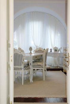 gustavian dining room