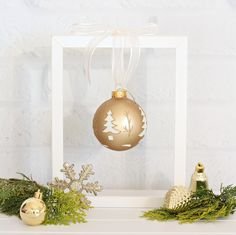 Simple Christmas Decorating - hang one special decoration from a photo frame.  #targetaustralia