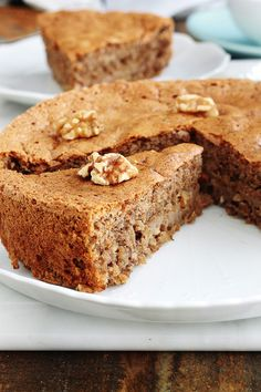 Gluten-free nut cake, easy recipe – About Healthy Desserts Gluten Free Treats, Gluten Free Cakes, Gluten Free Desserts, Easy Desserts, Tea Cakes, Food Cakes, Easy Cake Recipes, Snack Recipes, Chocolate Tea Cake