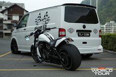 Volkswagen Transporter, Vw T5, T5 Bus, Bus Camper, Campers, Vossen Wheels, Van Interior, Image News, Car Wrap