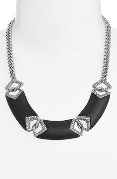 such a pretty necklace