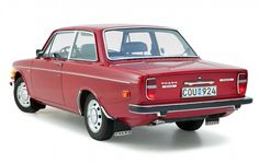 1971 Volvo 142 DL - Back when Volvos were svelte and purposeful, before they were just purposeful, after which point they were neither.