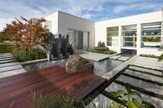 Contemporary landscape in Sydney by Dean Herald-Rolling Stone Landscapes