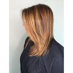 • c o l o r / c u t • by mercedes villasana • • • • • #tanglesstyle #hairbrained #tanglessalon #stylist #modernsalon #americansalon #launchpad #estetica #hotonbeauty