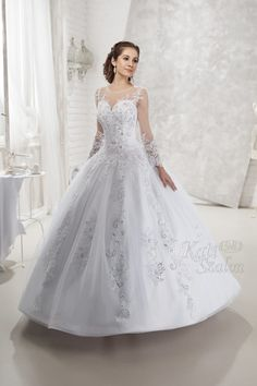167 Esküvõi ruha - Kati Szalon Bridal Boutique, Weddings, Wedding Dresses, Fashion, Wedding Stuff, Bride Dresses, Moda, Bridal Gowns, Fashion Styles